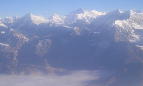 Zdjecie NEPAL / Himalaje / Himalaje a w tle Mt. Everest / Himalaje
