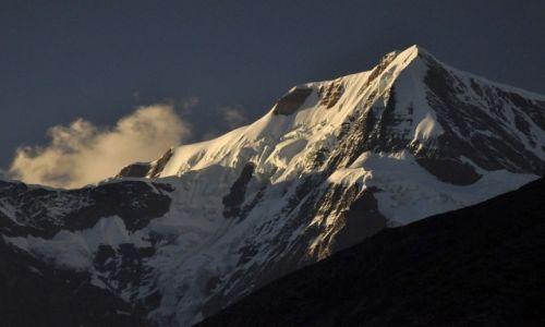 Zdjęcie NEPAL / Annapurna / Manang / gdzieś na szlaku jakiś szczyt