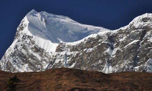 Zdjecie NEPAL / Pisang / okol. Pisangu / Annapurna III 7555m