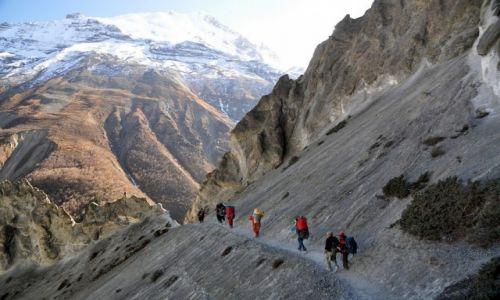 Zdjecie NEPAL / Annapurna / osuwiska przed Tilicho Base Camp / na szlaku