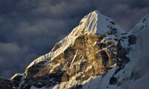 Zdjecie NEPAL / Langtang / Kyanjin Gompa / Kimshung 6745m