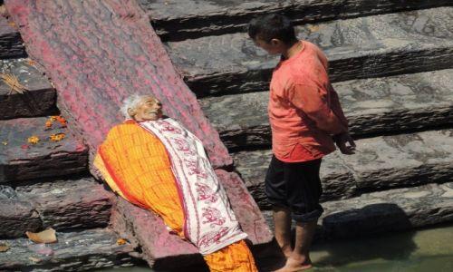 Zdjecie NEPAL / - /  Pashupatinath / Pogrzeb