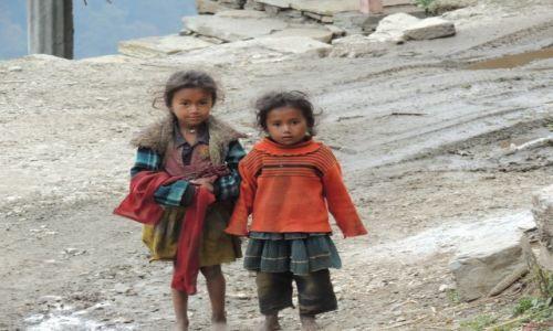 Zdjecie NEPAL / - / Region Annapurna  / Dzieci w Nepalu