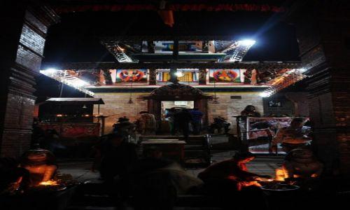 Zdjecie NEPAL / Kathmandu / Durbar Sqaure / Świątynia Mahendreshwar