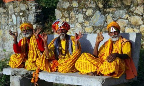Zdjecie NEPAL / Katmandu / Pasupatinath  Katmandu / Sadhu dla turystów