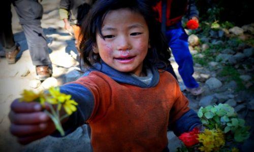 Zdjecie NEPAL / Himalaje / Himajale / Nepalskie dzieci
