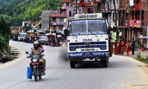 Zdjecie NEPAL / - / okolice Mugling / Prithvi Highway
