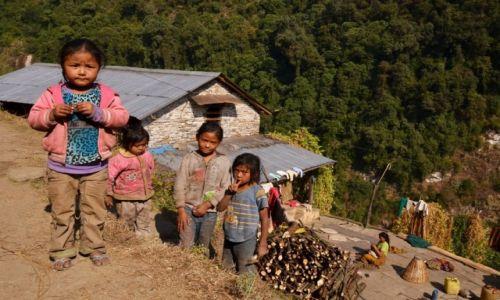 Zdjęcie NEPAL / Centralny Nepal / Okolice Pokhary / Nepalskie dzieciaki