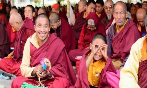 Zdjęcie NEPAL / Kathmandu / Kathmandu / Nastroje mieszane - chyba halny idzie :)