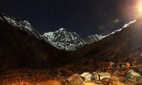 Zdjecie NEPAL / Himalaje / Macchapuchare Base Camp / Annapurna Południowa nigdy nie śpi