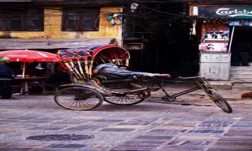 Zdjęcie NEPAL / Centralny Nepal / Okolica Pokhary / Drzemka
