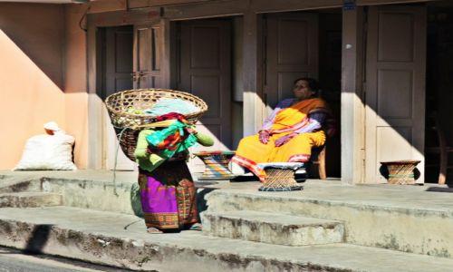 Zdjęcie NEPAL / Kaski / POKHARA / Praca i odpoczynek