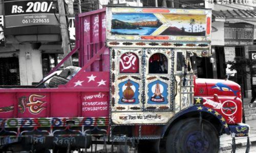 Zdjęcie NEPAL / Kaski / POKHARA / Piękna ciężarówka