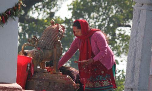 Zdjęcie NEPAL / Kaski / POKHARA / Modlitwa