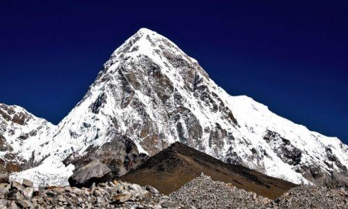 Zdjęcie NEPAL / Himalaje, Sagarmatha Himal / Pumori / Potrójna piramida