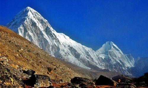 Zdjecie NEPAL / Himalaje, Sagarmatha Himal (Mt. Everest) / Pumori (Pumo Ri) / Poranne mgiełki