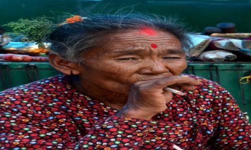 Zdjecie NEPAL / Dolina Kathmandu / Kathmandu / Paliłam, palę i palić będę!