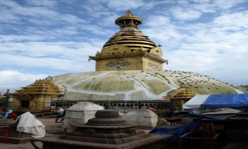 NEPAL / Kathmandu / Swayambunath - Świątynia Małp / Na szczęście stoi:)