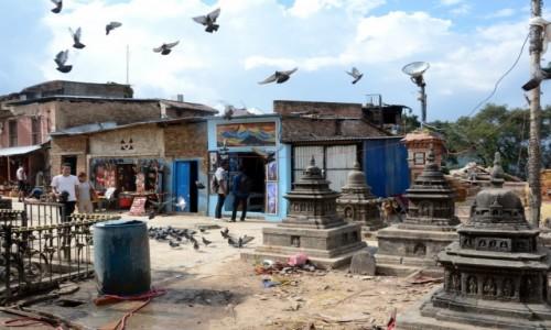 Zdjęcie NEPAL / Kathmandu / Swayambunath - Świątynia Małp / Dookoła niewiele zostało :(