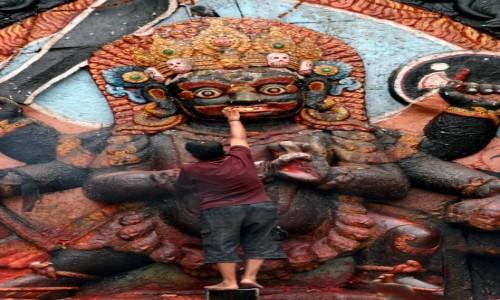 Zdjęcie NEPAL / Dolina Kathmandu / Kathmandu, Durbar Square  / nakarmić boga!