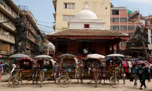 Zdjecie NEPAL / Dolina Kathmandu / Kathmandu / oczekiwanie...