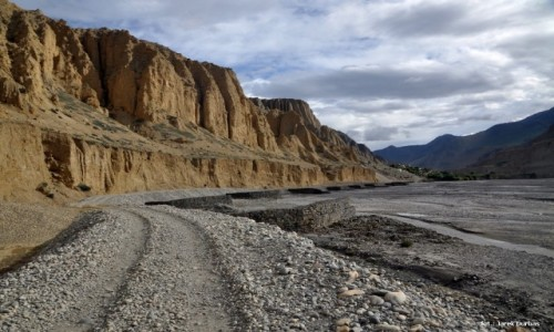 NEPAL / Mustang / okolice Chooksang / Dolina Kali Gandaki