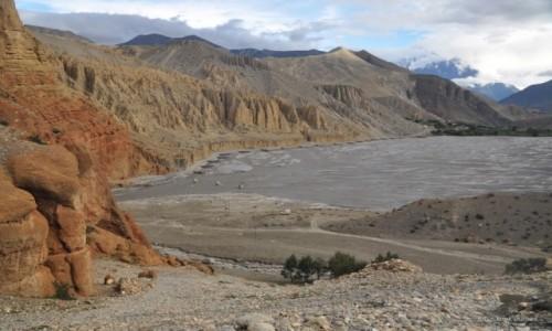 NEPAL / Mustang / widok z wioski Chele / Kali Gandaki