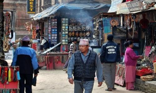 NEPAL / Lalitpur / Patan Durbar Square / Na ulicy