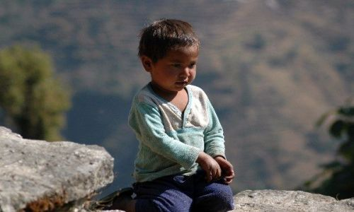NEPAL / Annapurna Circuit / Annapurna Circuit / Chłopczyk na trasie wokół Annapurny