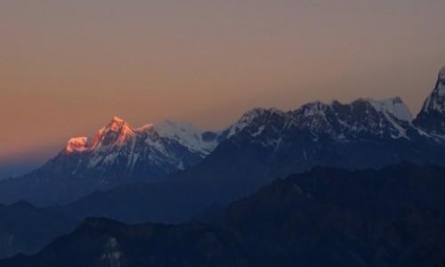 NEPAL / Himalaje -Annapurna Circuit  / Poon Hill - widok na Dhaulagiri / Szczyty zapalają się o świcie