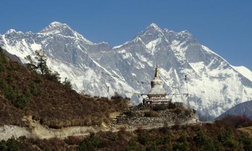 NEPAL / Himalaje - Sagarmatha National Park / droga z Namche do Tengboche / Góra Gór i Nuptse