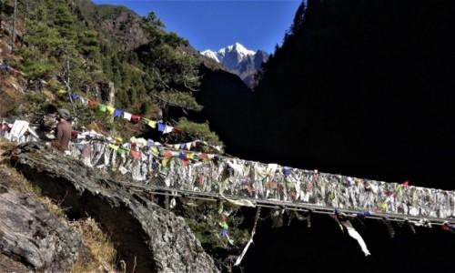 Zdjęcie NEPAL / Himalaje, rejon Namcze Bazar / Most nad Dudh Koshi  / Ciemność, widzę ciemność! Ciemność widzę!