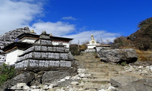 NEPAL / Himalaje - dystrykt Solukhumbu / trek EBC / Kamienie Mani