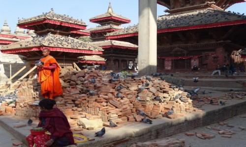 NEPAL / Dolina Katmandu / Katmandu- Durbar Square / Katmandu nadal potrzebuje pomocy