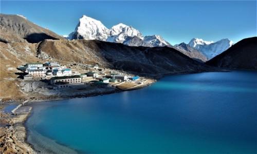 NEPAL / Himalaje, rejon  Ngozumpa Glacier  / Gokyo Ri / Dudh Pokhari z przyległościami
