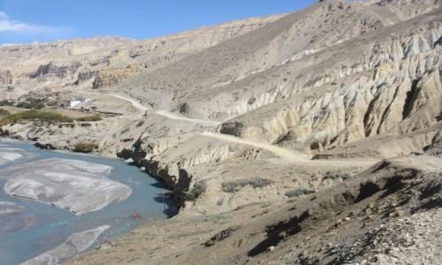 Zdjecie NEPAL / Mustang / Dolina Khali Gandaki / W drodze do Chele