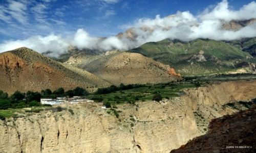 Zdjecie NEPAL / Mustang / nad kanionem / Ghakmar