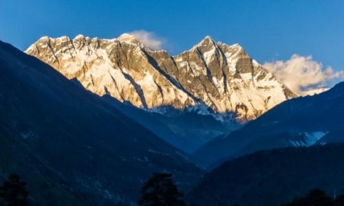 Zdjęcie NEPAL / Khumbu / Tengboche / Everest i Lhotse o zachodzie słońca