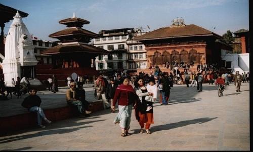 NEPAL / Kathmandu / Durbar Square / Świątynia Shiwy i Parwathi