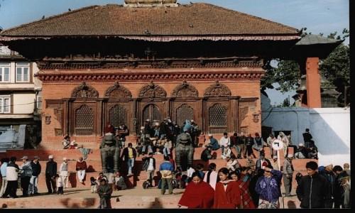 Zdjęcie NEPAL / Kathmandu / Durbar Square / Świątynia Shiwy i Parwathi