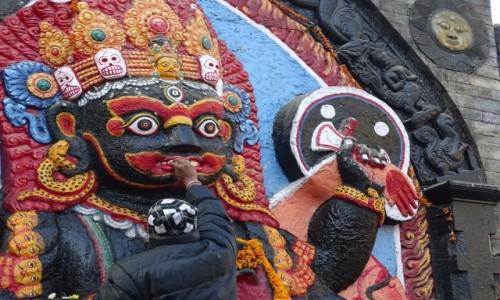 NEPAL / Dolina Katmandu / Katmandu- Durbar Square / Gdy bóg jest głodny...