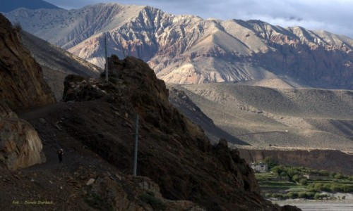 NEPAL / Mustang / okolice Kagbeni / Tiri