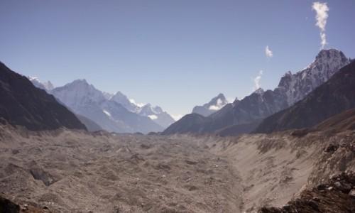 NEPAL / Khumbu / Gokyo / Ngozumpa glacier