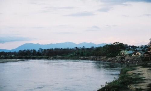NEPAL / P.N. Chitwan / Sauraha / Zmierzch nad Rapti