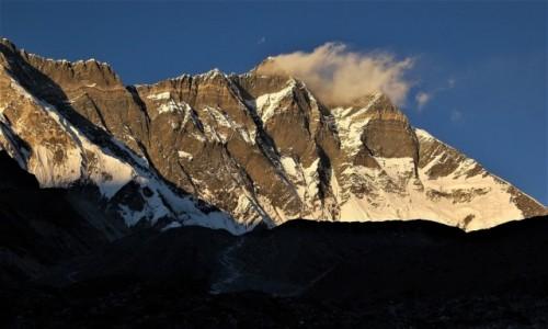 NEPAL / Himalaje, rejon Mt. Everest / W drodze do BC Imja Tse (Island Peak) / Mur Nuptse