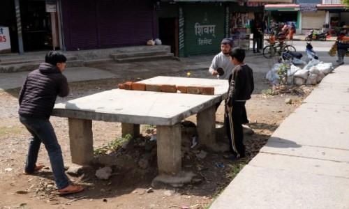 Zdjęcie NEPAL / Pokhara / Pokhara / Ping pong