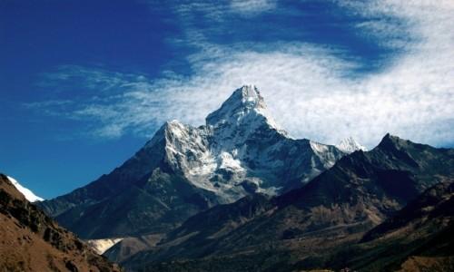 NEPAL / Himalaje / osada Mongla / Ama Dablam