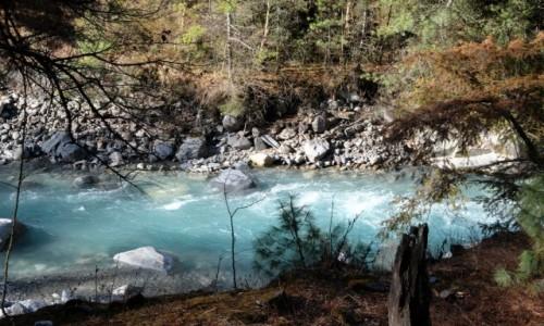 NEPAL / Annapurna Conservation Area / Chame / Rzeka Marsyangdi