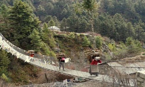 NEPAL / Himalaje - dystrykt Solukhumbu / w drodze do klasztoru Tengboche / A mnie ciążył plecak ...