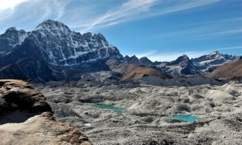 NEPAL / Himalaje, rejon  Gokyo Ri / Lodowiec Ngozumpa / Lodowiec Ngozumpa